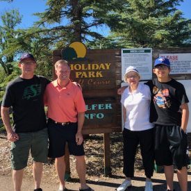2018-golf-holidaypark-ron-elijah-mom-brian-propp