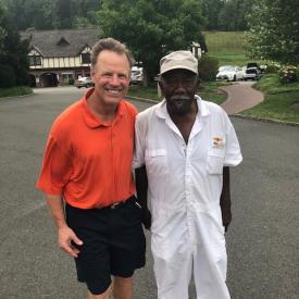 2018-golf-ronaldmcdonald-propp-bob-caddy